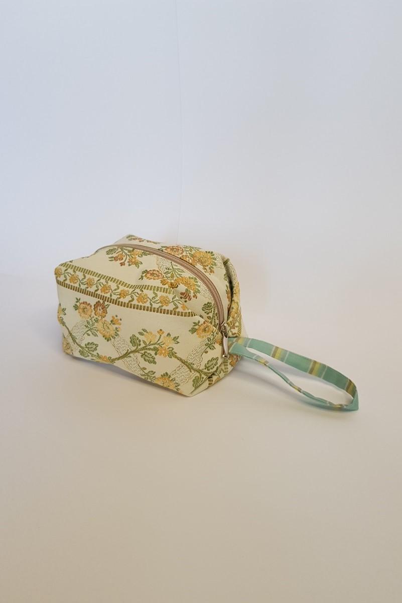 Beauty case in tessuto d'arredo vintage