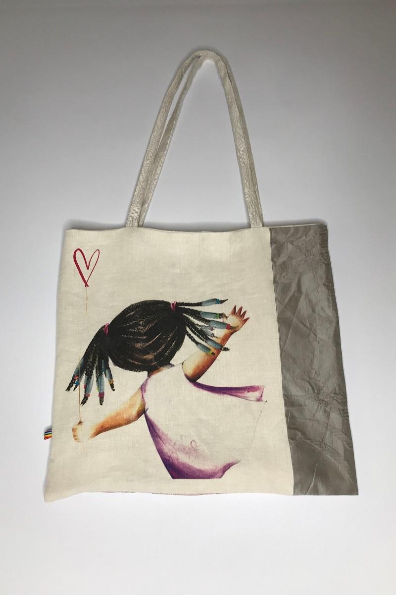 shopper panna con illustrazione bimba con treccine afro